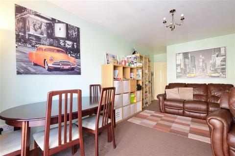 2 bedroom flat for sale - Abbs Cross Gardens, Hornchurch, Essex