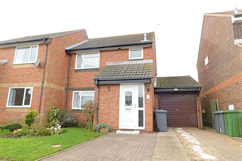 3 bedroom semi-detached house to rent - Rogers Close, Felixstowe