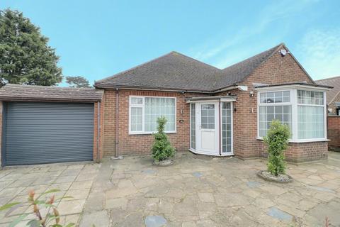 2 bedroom detached bungalow for sale - St Thomas Road, Luton