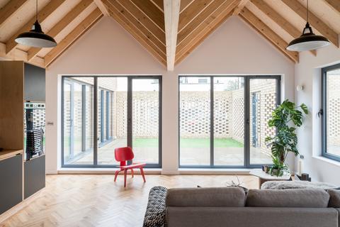 2 bedroom terraced house for sale - Spencer Courtyard, Regent's Park Road, London N3
