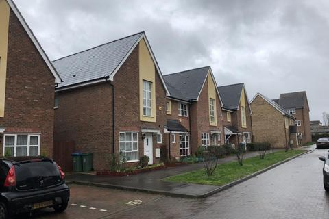 3 bedroom house to rent - Fuggle Drive, Aylesbury, HP21