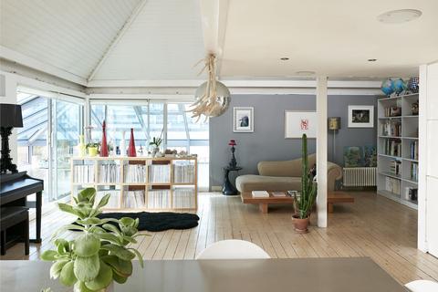 2 bedroom penthouse for sale - Limehouse Cut, Morris Road, London E14
