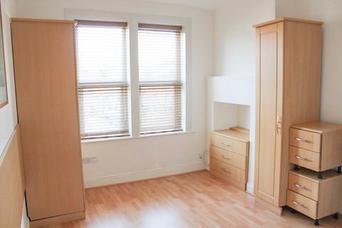 Studio to rent - Ballards Lane, N3
