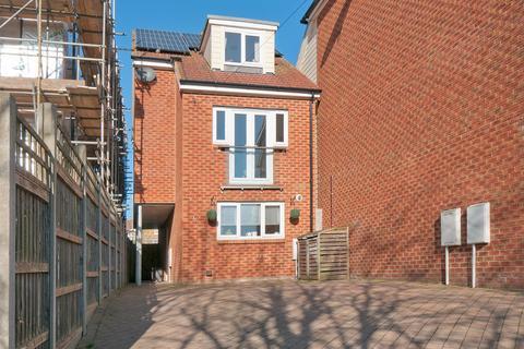 3 bedroom detached house for sale - Elmstone Lane, Maidstone