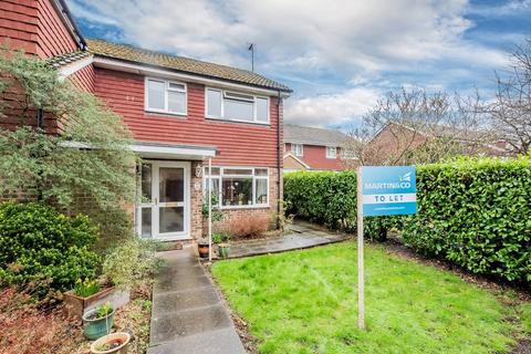 3 bedroom semi-detached house to rent - Thirlmere Walk, Camberley