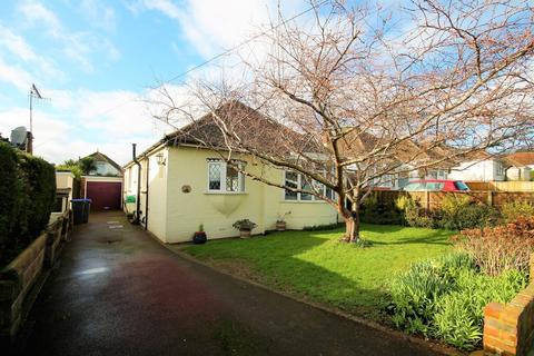 5 bedroom detached bungalow for sale - Griffiths Avenue, Lancing BN15 0HW