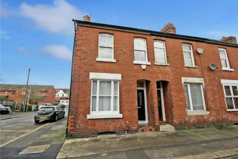 2 bedroom end of terrace house for sale - Princes Drive, Sale
