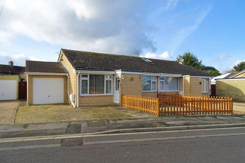 2 bedroom semi-detached bungalow for sale - Sherwood Avenue, Melksham