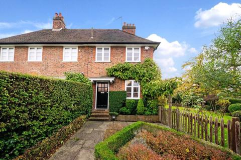 4 bedroom cottage for sale - Addison Way, Hampstead Garden Suburb, NW11