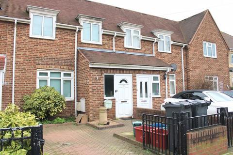3 bedroom house to rent - FELTHAM