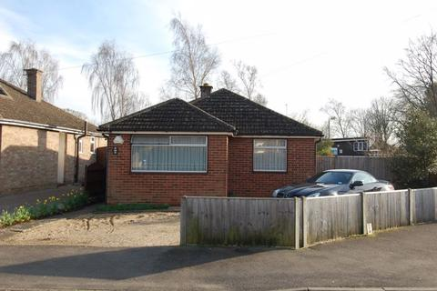 2 bedroom detached bungalow for sale - Benmead Road KIDLINGTON