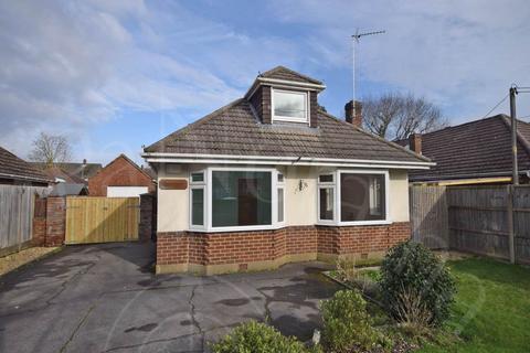 5 bedroom bungalow to rent - Cloughs Road, Ringwood, Hants