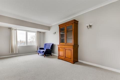1 bedroom flat for sale - Homecross House, London, W4