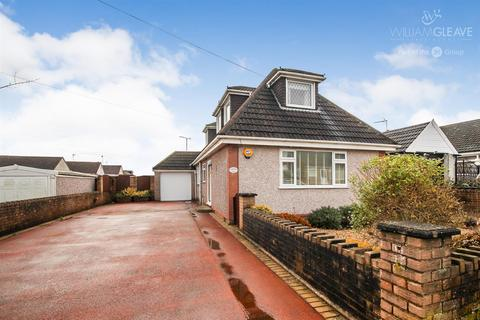 4 bedroom detached house for sale - South View, Buckley