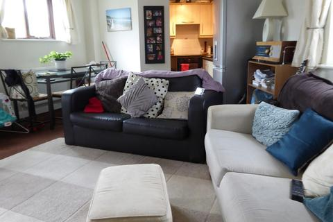 2 bedroom flat to rent - 33 Chapel Street