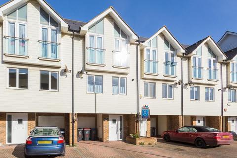 3 bedroom terraced house for sale - Kings Mews, Margate