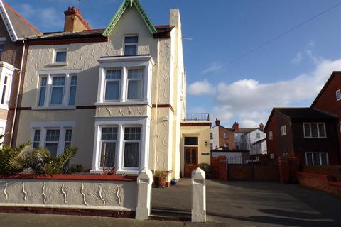 6 bedroom terraced house for sale - Conwy Street, Rhyl