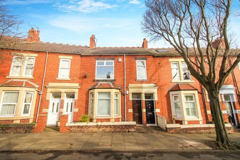 3 bedroom flat for sale - Park Crescent East