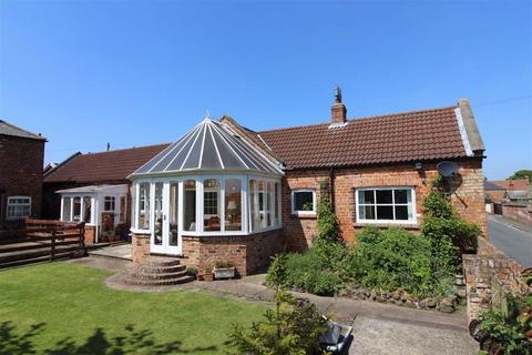3 bedroom detached bungalow to rent - The Gables, Chapel Lane, HU12