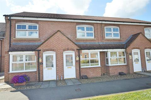 2 bedroom terraced house for sale - Ashcourt Drive, Hornsea