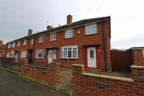 3 bedroom end of terrace house to rent - Fenby Avenue, Darlington