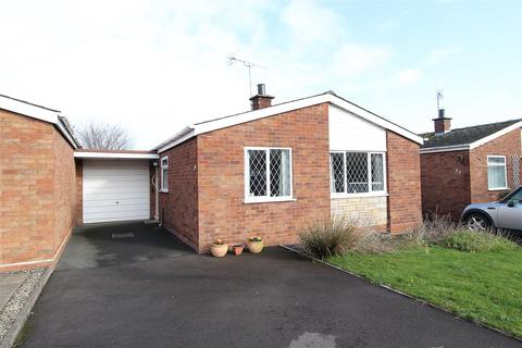 2 bedroom bungalow for sale - Chillington Drive, Codsall, WV8 1AG