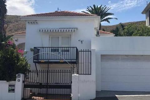 4 bedroom house - Cape Town, Fresnaye, South Africa