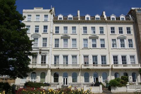 2 bedroom flat to rent - Ashley Court, Terrace Road, St Leonards On Sea, TN37 6BN