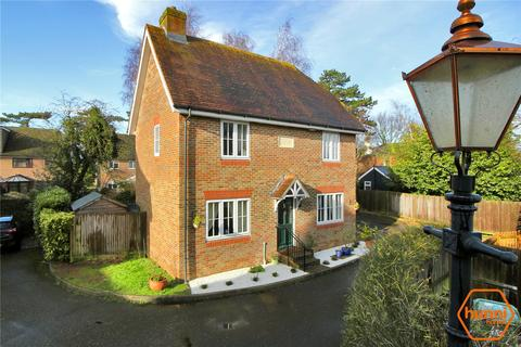 3 bedroom detached house for sale - Nettlestead Court, Maidstone Road, Paddock Wood, Tonbridge, TN12