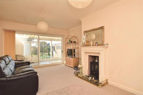 2 bedroom semi-detached bungalow for sale - Eden Road, Seasalter, Whitstable, Kent