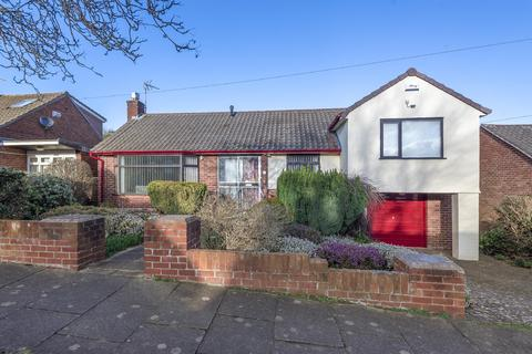 2 bedroom detached bungalow for sale - Andrews Walk, Heswall, Wirral, CH60 2SF