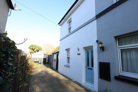 2 bedroom semi-detached house for sale - Hamilton Road, Deal, CT14