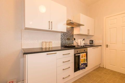 2 bedroom house to rent - Welford Street, Salford, M6 6BB