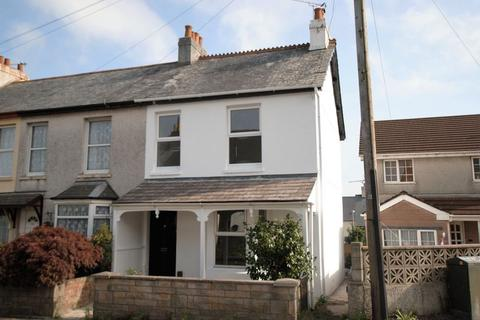 2 bedroom end of terrace house for sale - Callington Road, Saltash