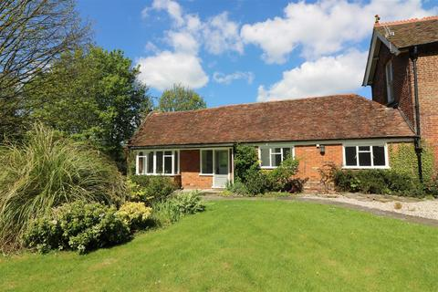 2 bedroom semi-detached bungalow for sale - New Street, Sandwich