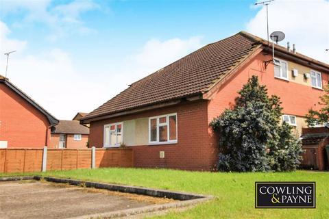 1 bedroom semi-detached bungalow to rent - Broad Oaks, Wickford, Essex