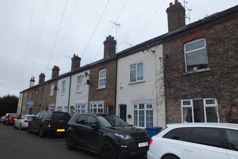 2 bedroom terraced house to rent - Rays Avenue, Windsor SL4 5HG