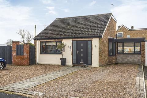 3 bedroom bungalow for sale - The Limes, Stockton on the Forest, York, YO32 9UL
