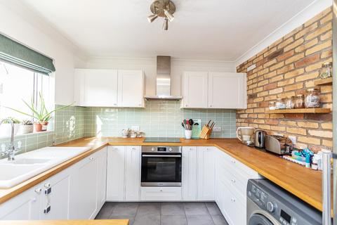 3 bedroom apartment for sale - Lilliput Court, 7 Kimberley Road, Poole, Dorset, BH14