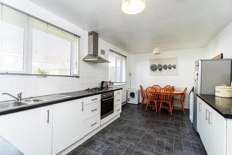 3 bedroom semi-detached house for sale - Benbow Crescent, Wallisdown, Poole, Dorset, BH12