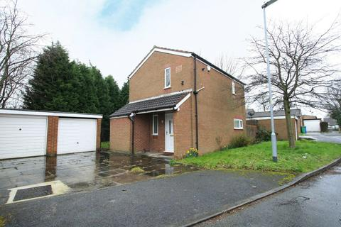 3 bedroom detached house to rent - Calbourne Crescent, Manchester, Greater Manchester, M12
