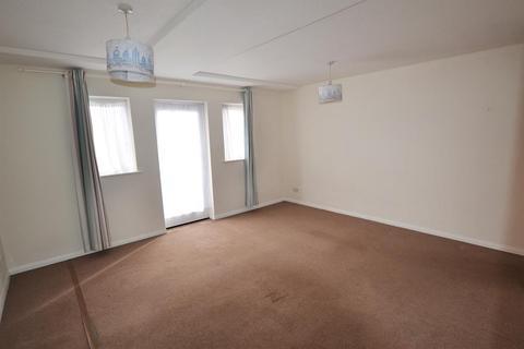 Studio to rent - Cypress Court, Waterloo Street, Cheltenham