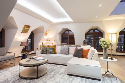 3 bedroom penthouse to rent - Golden Square, Soho