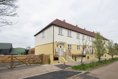 3 bedroom end of terrace house for sale - New Creek Road, Faversham, ME13