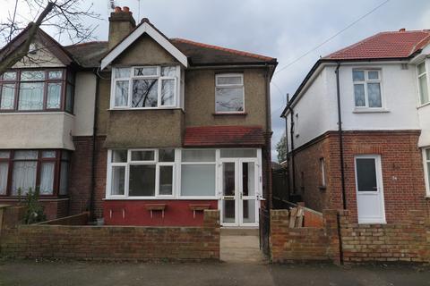 3 bedroom semi-detached house to rent - Helens Avenue , TW14