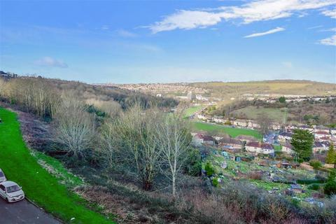 3 bedroom flat for sale - Fitch Drive, Lower Bevendean, Brighton, East Sussex