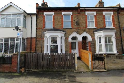 2 bedroom terraced house to rent - Knighton Road, Romford, Essex, RM2 9BS