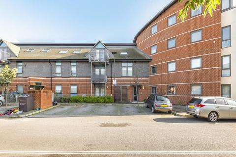 1 bedroom flat for sale - Feltham,  Middlesex,  TW14