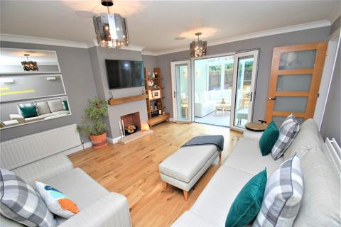 3 bedroom house for sale - Mitchell Gardens, South Shields