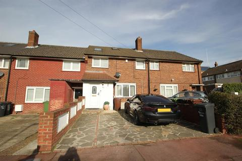 3 bedroom terraced house for sale - Thatches Groves , Chadwell Heath , Essex , RM6 5LH